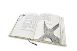 rak-fotenie-kniha-9-2-stopy
