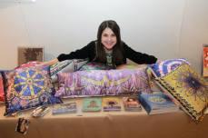 Анжеліка Рудницька та її подушки-думочки