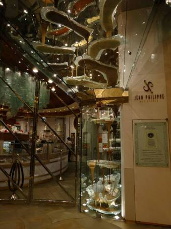 At Jean Philippe Patisserie | © Vylyst