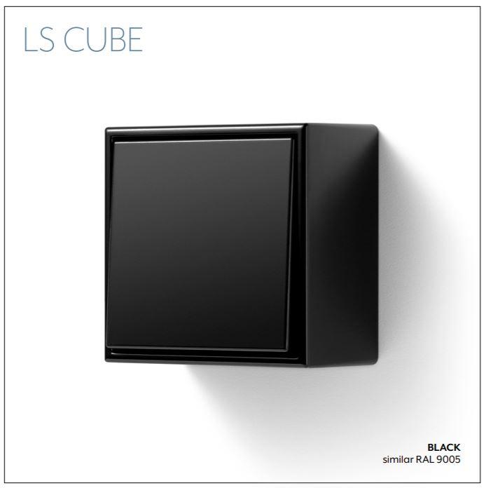 LS CUBE JUNG přisazená krabice na omítku
