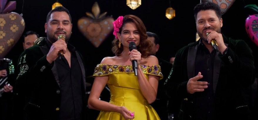 Natalia Jiménez en 'Qué bueno es tenerte' junto a Banda MS