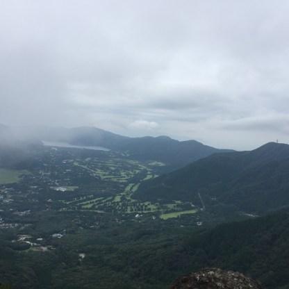 芦ノ湖が見えますね!今朝はあっちのほうから来たんだなぁ( *´艸`)