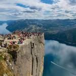 北欧の大自然を満喫できるトレッキングコース&登山9選