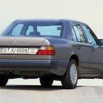Mercedes W124, coche clásico del año John Honest