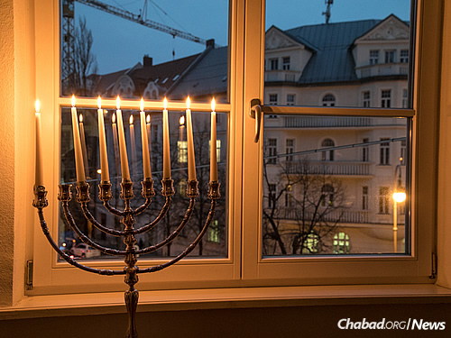 Chabad moved in across the way from Hitler's penthouse apartment in 1993. In the years since, it has become a magnet for Jewish residents and tourists. (Photo: Mitya Kolomiyets)