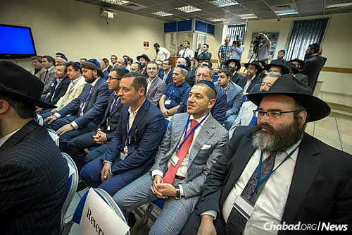 In addition to discussions about business cooperation, delegation participants did some sight-seeing, visiting the four cities holy to Judaism: Jerusalem, Safed, Hebron and Tiberias. (Photo: Ezekiel Itkin)