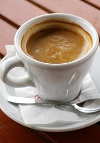 Risco de desenvolver diabetes tipo 2 é 34% menor em quem toma café no almoço