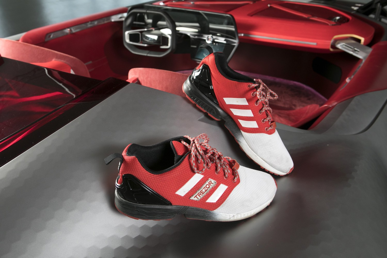 Chaussures NIKE Air Max Axis (GS) AH5226 001 BlackRush PinkAnthracite