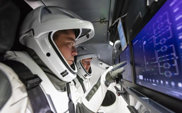 cockpit-crew1
