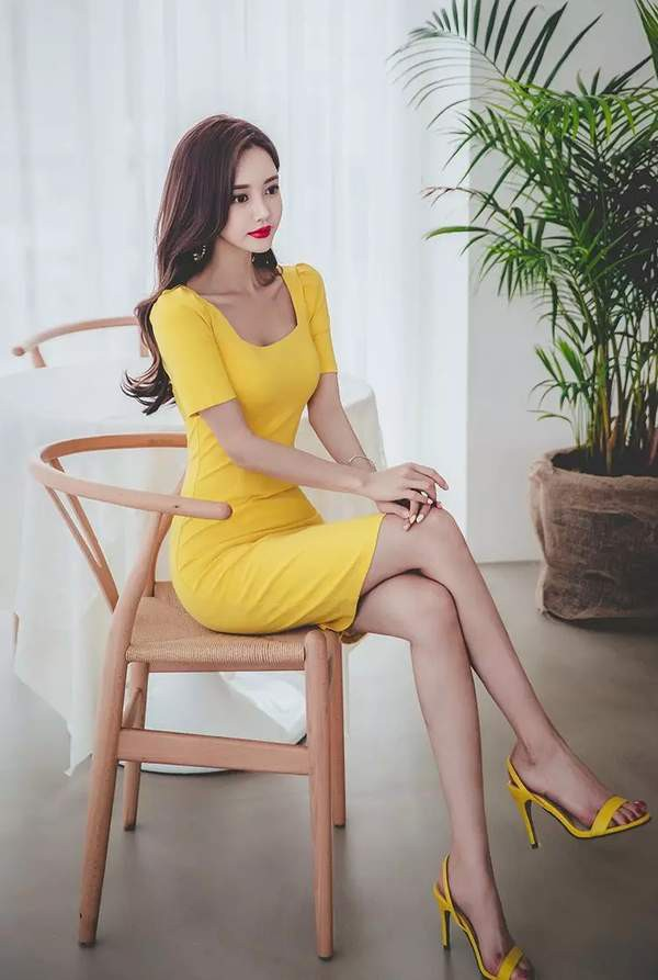 son-yoon-joo-khien-fan-dung-hinh-vi-qua-xinh-dep (8)