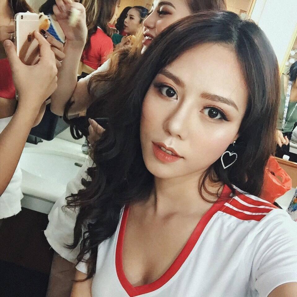 hot-girl-nguyen-minh-trang-nong-bong-cung-tuyen-iran (1)