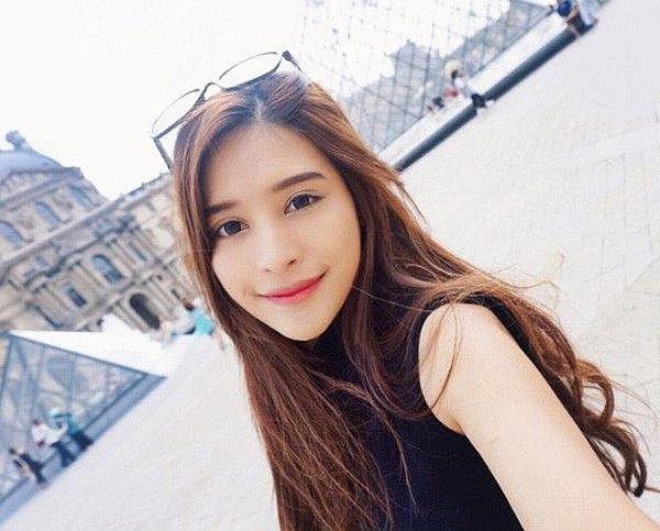 lac-loi-vi-hot-girl-Kingkaew-Karnthiang-qua-xinh-dep (11)