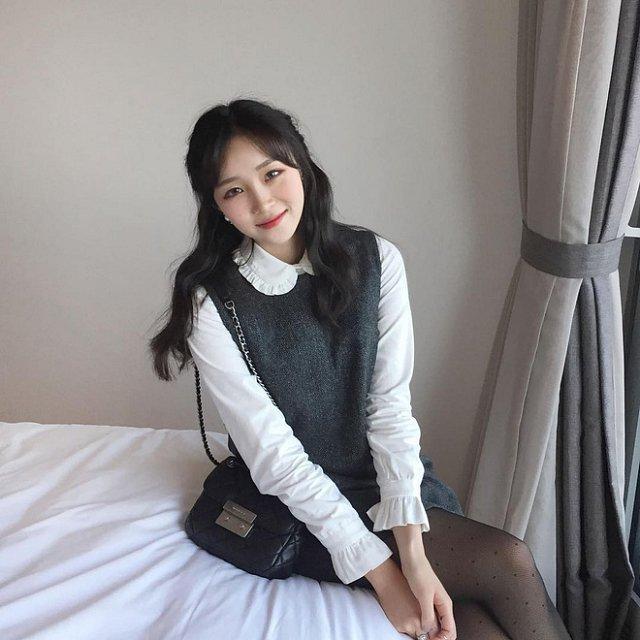 xieu-long-ve-dep-trong-veo-cua-hot-girl-Young-Yeon-xu-han (2)