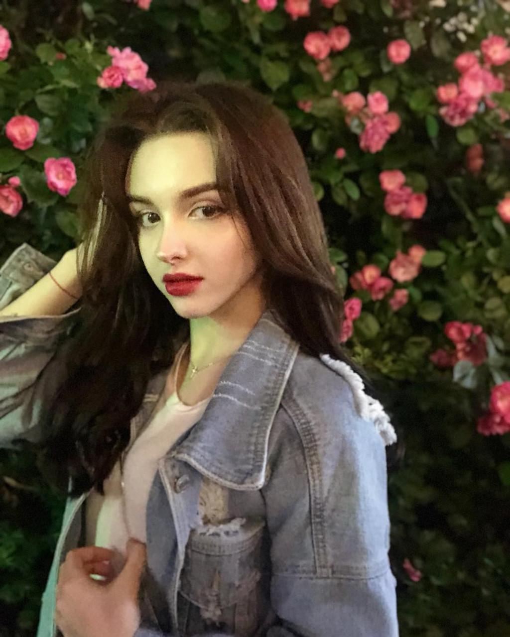 hot-girl-Karimova-Elina-dao-tung-chao-gioi-tre-vi-qua-xinh-dep (2)