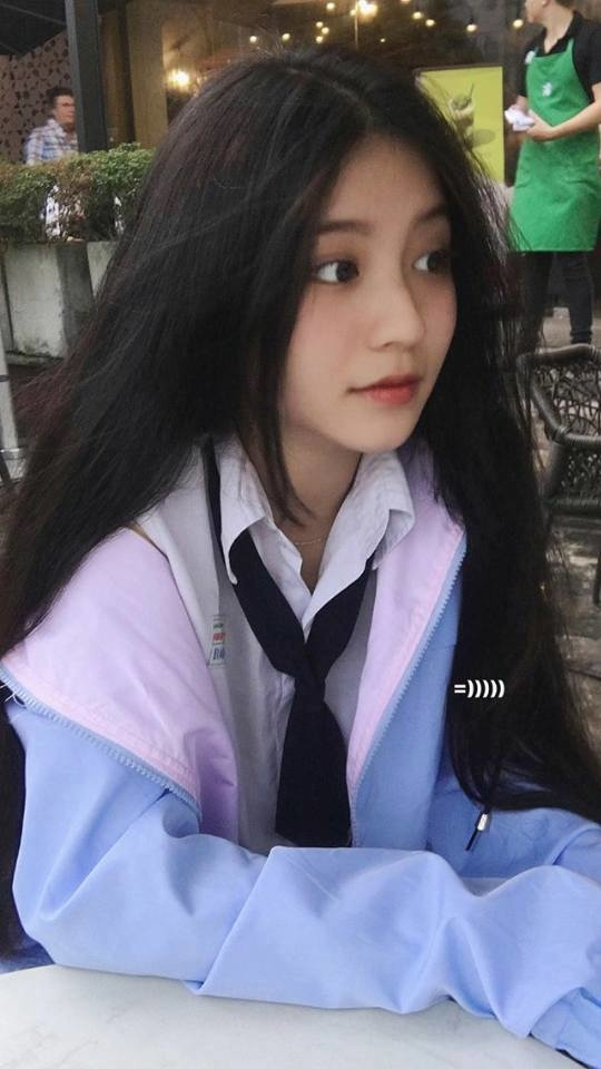 me-man-ve-dep-trong-veo-cua-co-ban-nguyen-ngoc-phuong-vy (1)