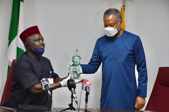PHOTOGRAPHS: FG received a stolen Ile-Ife artifact from Mexico