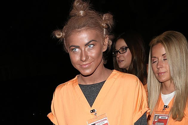 Julianne Hough apologizes for Blackface Costume