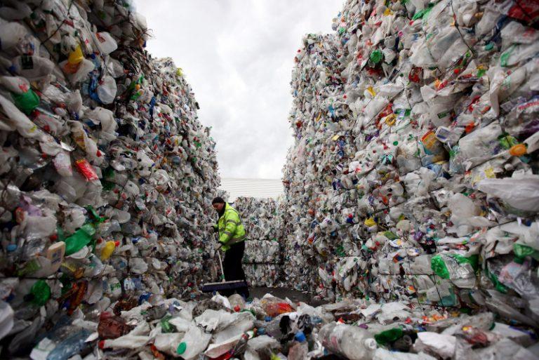 Wissenschaftler haben eine Methode gefunden Plastik in Kraftstoffe umzuwandeln