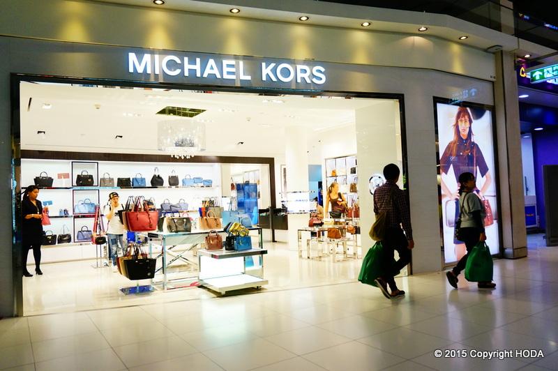 スワンナプーム国際空港 免税店 MICHAEL KORS