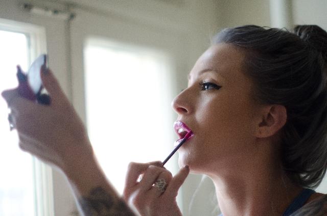 女性が化粧する心理は?パターン別メイクが与える心への影響