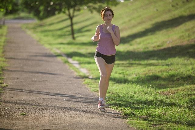 ジョギングとランニング、ダイエットに効果的なのはどっち?