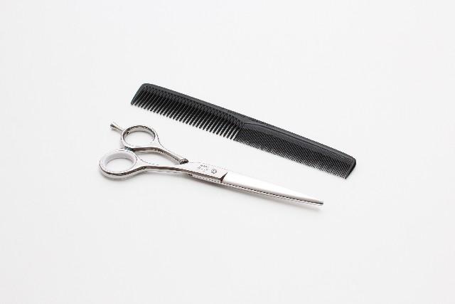 前髪の切り方って?ぱっつんスタイルををセルフカットする!