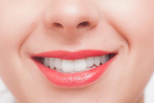 歯の健康は色でわかる!口内環境をセルフチェックする方法!