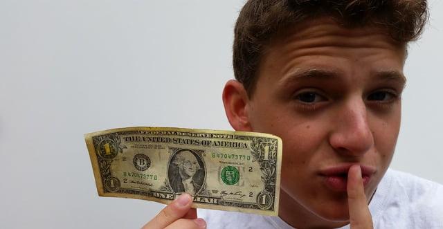 ネットカジノからの収入の盲点
