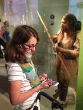 Ausflug ins Neanderthal Museum: Der moderne Mensch neben dem historischen Neanderthaler. Der Audio-Guide klappte prima über die Handy-App des Museums.