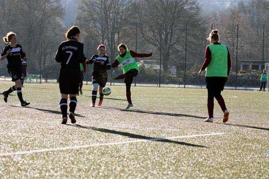 Damenfußball