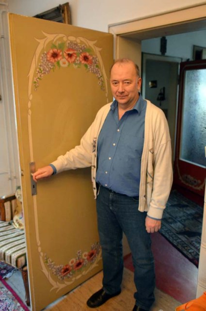 Selbst die Türen sind Kunstwerke in Ulrich Schütters Geburtshaus.