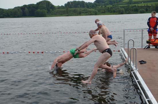 Im Baldeneysee darf wieder geschwommen werden.