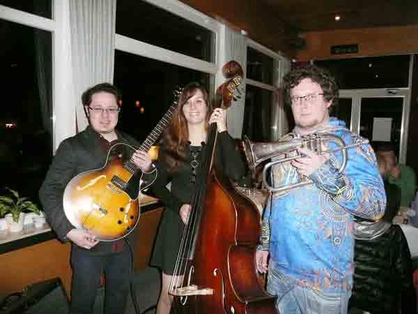 TC-Am-Volkswald-Lougne-Jazztrio-Galakti