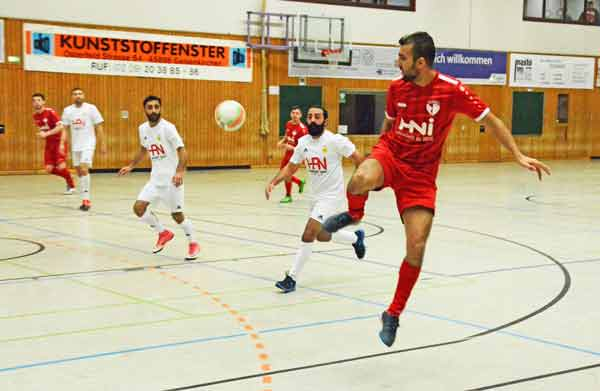 Hallenfußball-SCWH-vs-Mesopotamia-1