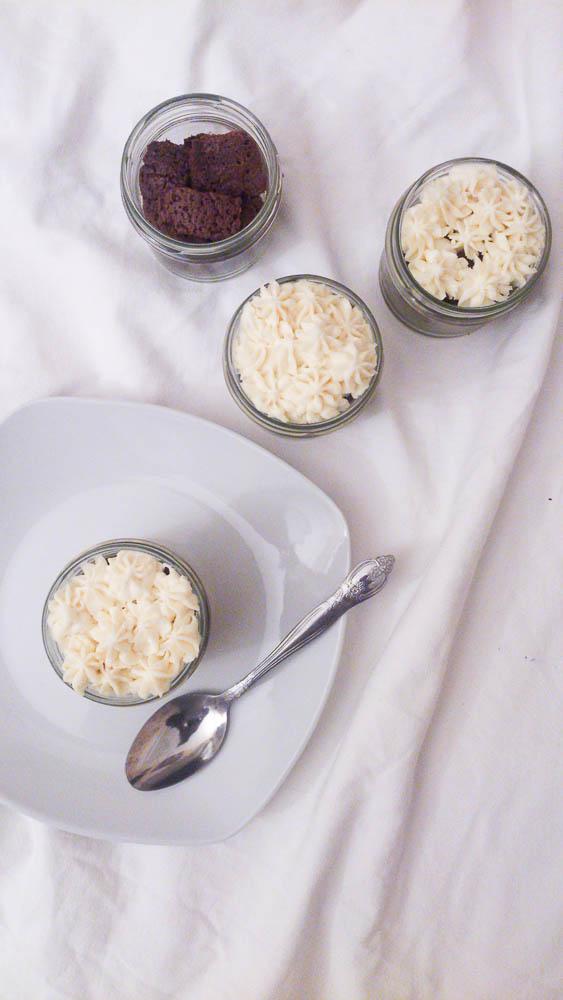 Verrines de moelleux au chocolat, crème mascarpone-chocolat blanc & Bonjour French Food
