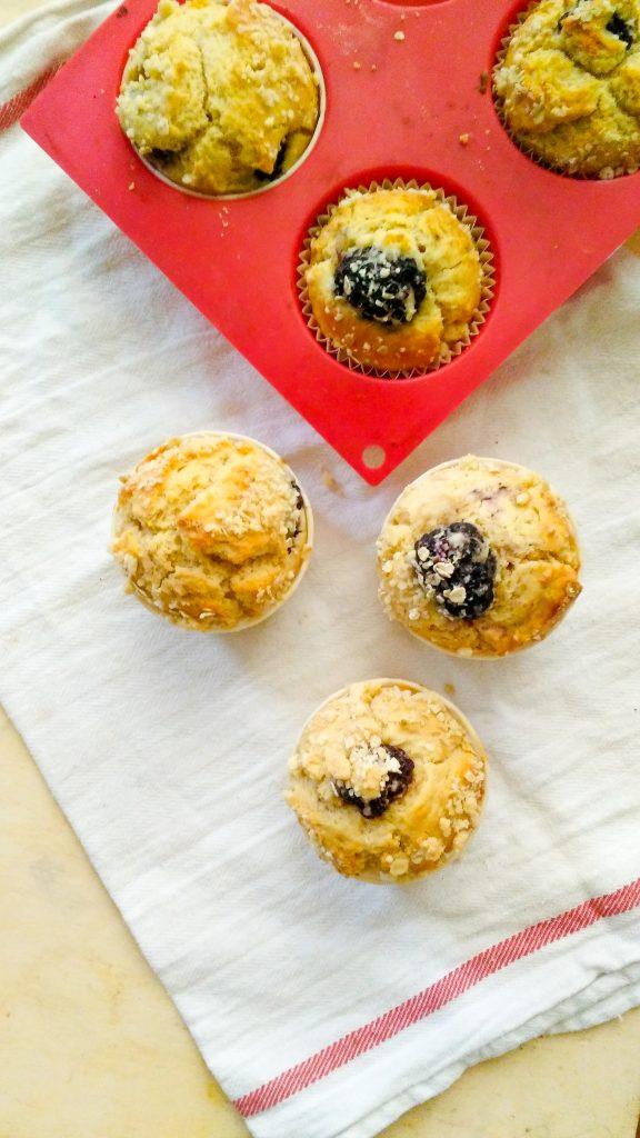 muffins-aux-mures-et-au-flocons-davoine-2