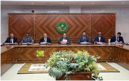 الحكومة تعقد اجتماعها الأول بعد بدء جلسات البرلمان