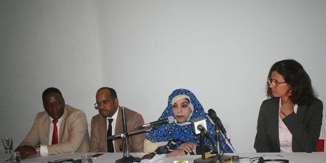 بنت عبد الودود: نسعى إلى توعية العمال بحقوقهم