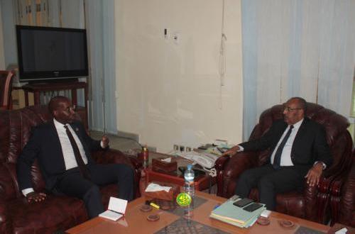 وزير الداخلية يلتقي مسؤولا أمميا بالتزامن مع بدء الحملة