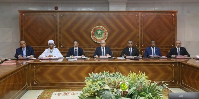 مجلس الوزراء يعقد اجتماعه يوما بعد تسوية مشكل الطلاب
