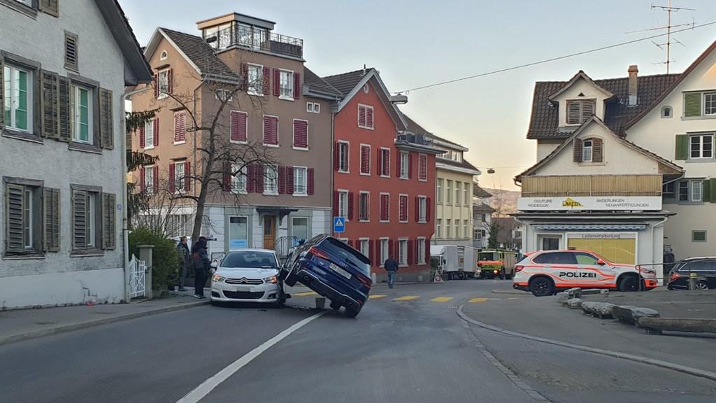 Unfall Wädenswil Schönenbergstrasse 31.03.2020