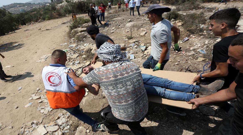 تواصل انتهاكات الاحتلال: إصابات في بيتا واعتداءات للمستوطنين وقصف مواقع في غزة