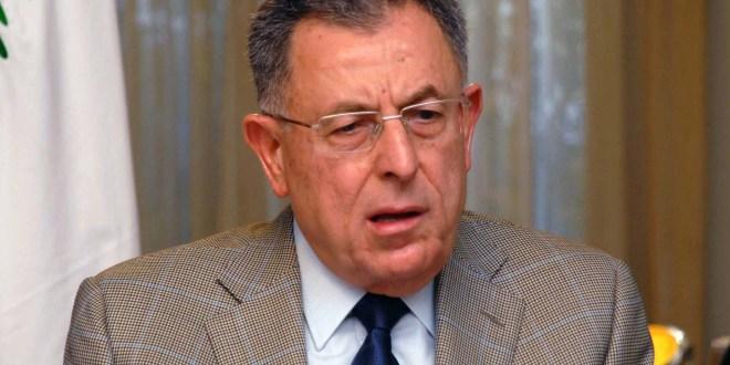 السنيورة عرض الاوضاع مع السفير المصري