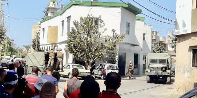 الجيش اللبناني يداهم عددا من المنازل المحيطة بمنزل الإنتحاري عمر بريص