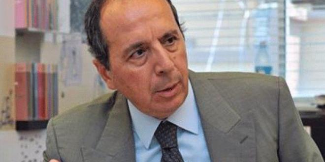 السيد عن السنيورة ميقاتي سلام الحريري: منافقون تطالبون أديب بعكس ما فعلتم