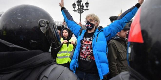 تحقيقات جنائية في أعمال عنف خلال مظاهرات أنصار نافالني في روسيا