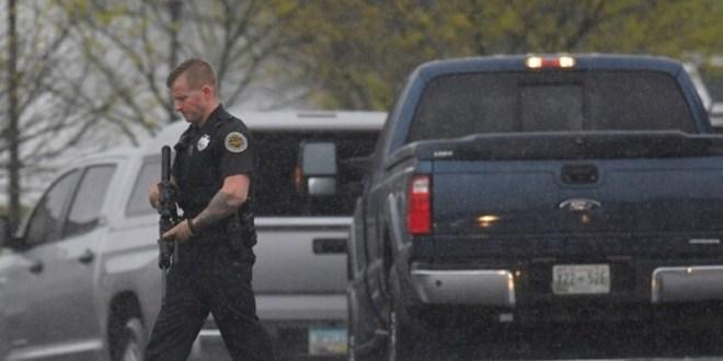 أميركا.. سيارة شرطة تخترق حشدا من المواطنين