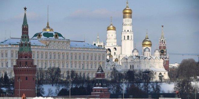 """""""بلومبيرغ"""": الولايات المتحدة وبريطانيا تدرسان فرض عقوبات جديدة على روسيا"""