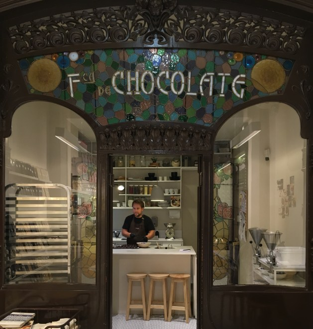 Sem comentários. Chocolate feito à nossa frente, degustado com bastante vontade.
