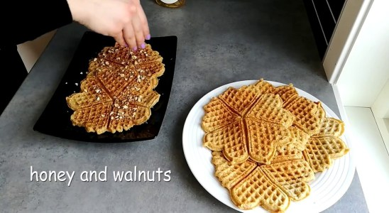 How to make healthy waffles! (without wheat flour and sugar)